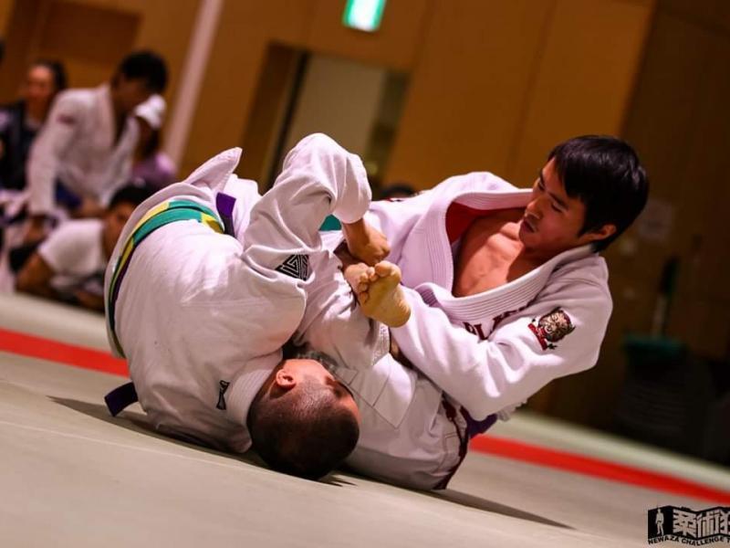Brazilian jiu jitsu competition(i'm a right side guy)