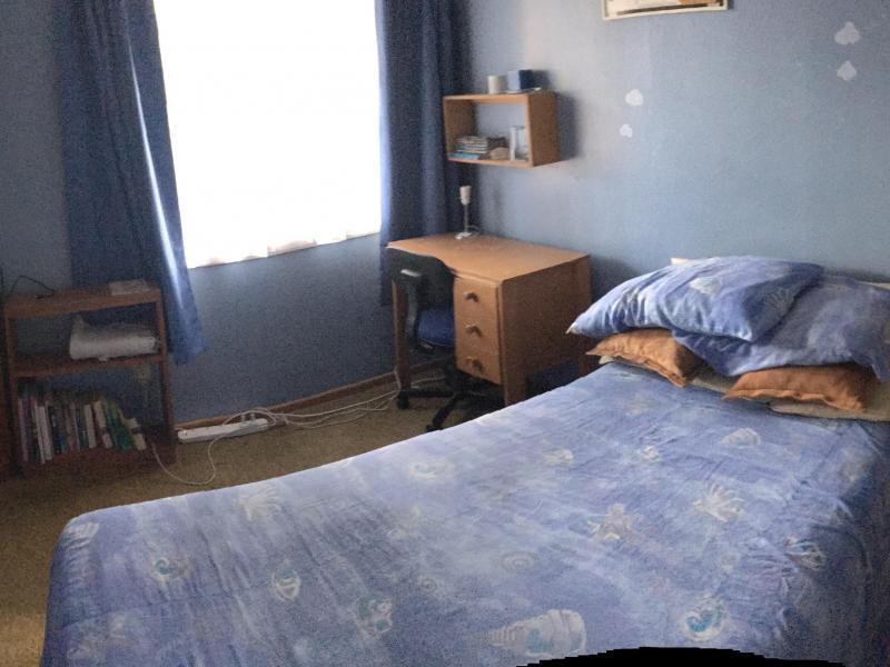 Single Blue Room - Wrap Around Photo