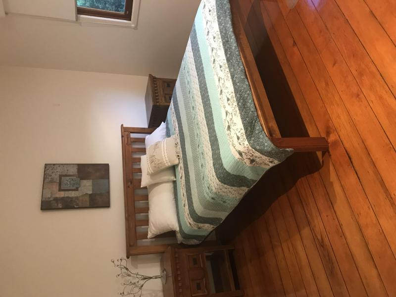 Greenslopes, QLD - $250