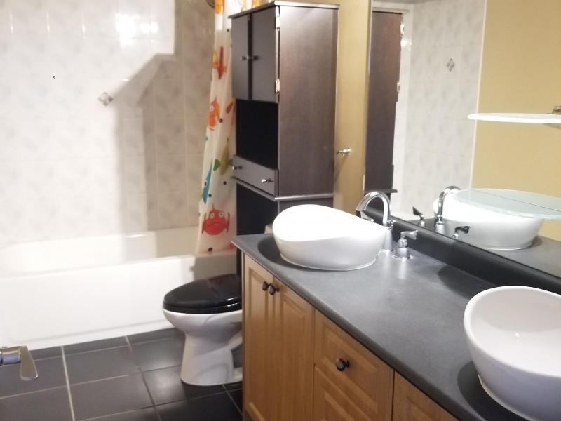 Main Bathroom double sinks