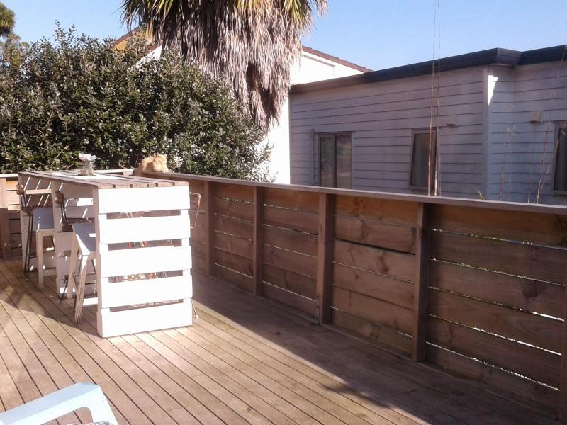 large sunny deck..: )