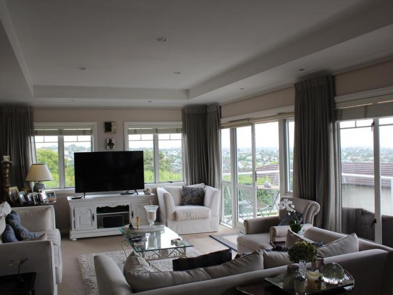 main upstairs lounge