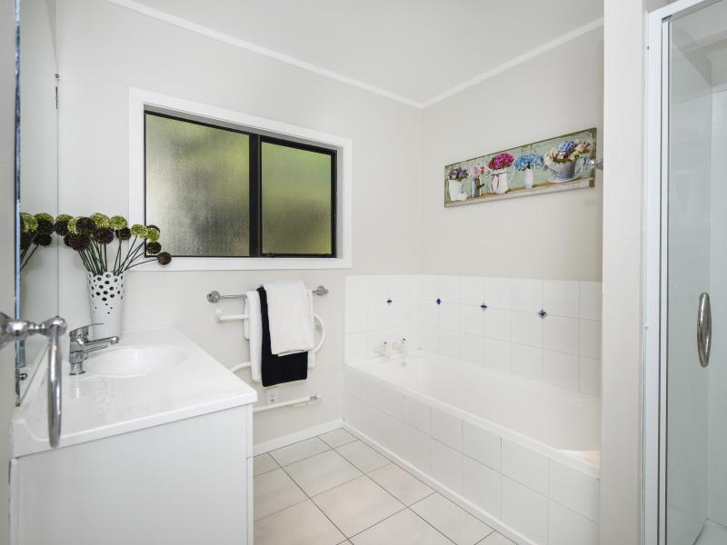 Clean Spacious Bathroom