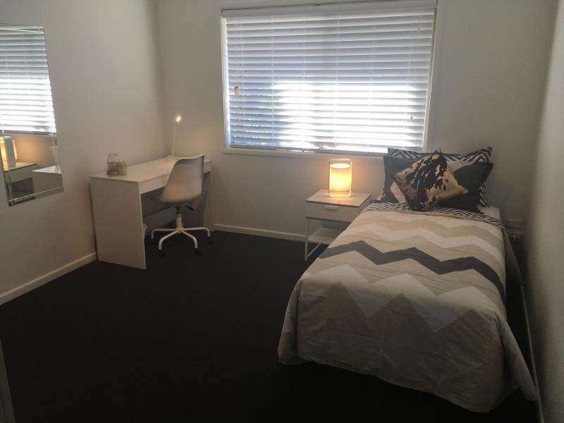 East Brisbane, QLD - $230