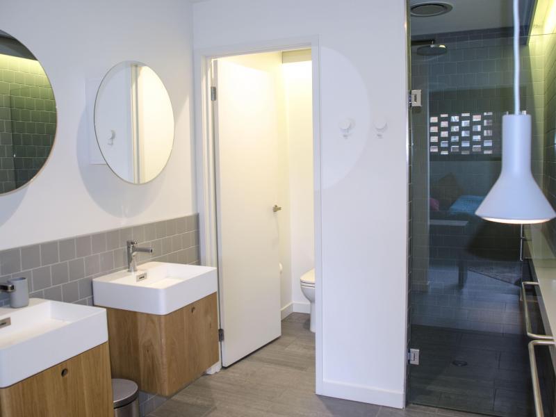 En-suite for large room