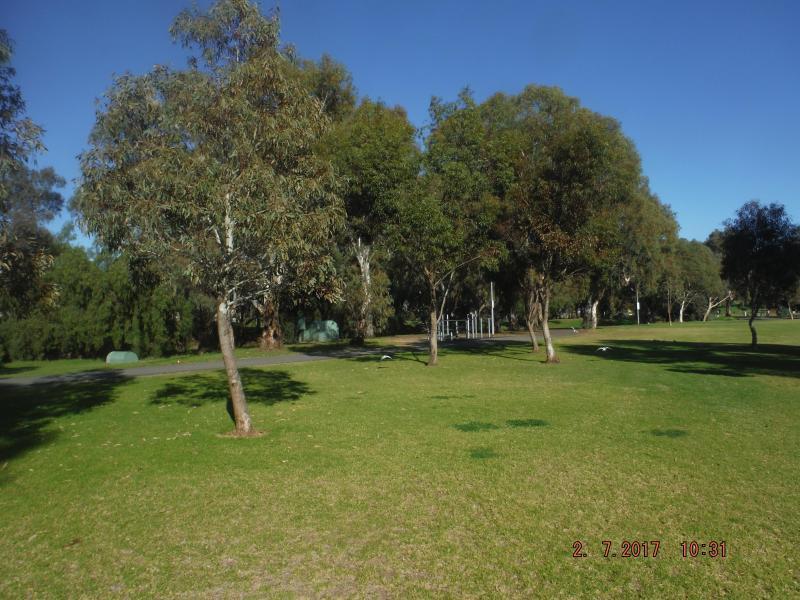 Thomas Turner park 5 minutes walk .