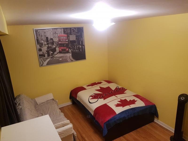 Toronto, ON - $320