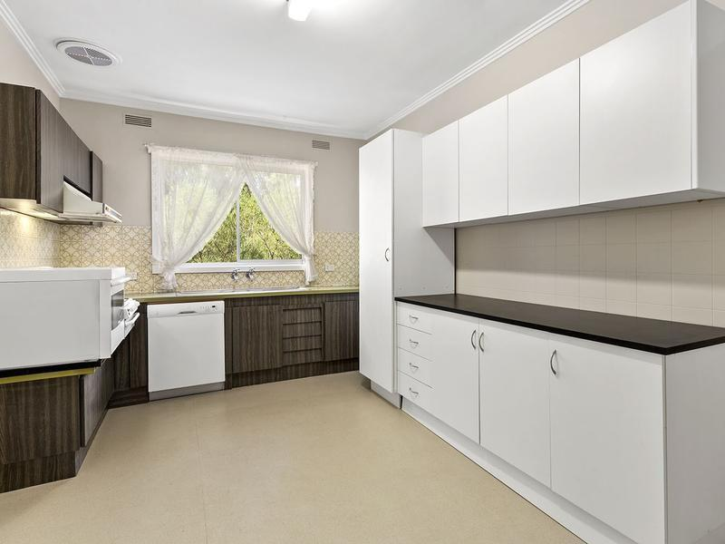 Yarraville, VIC - $300