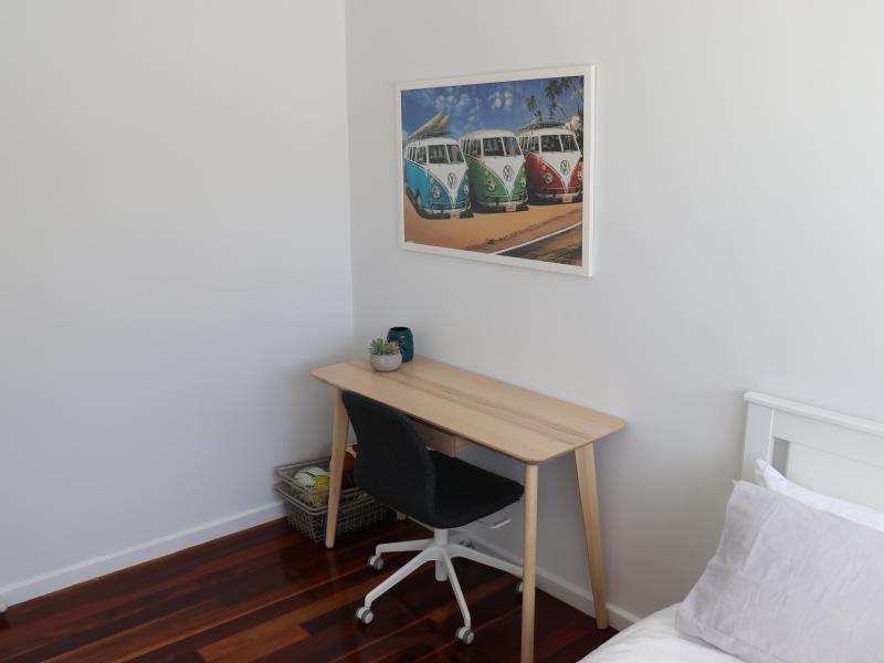 Holland Park West, QLD - $250