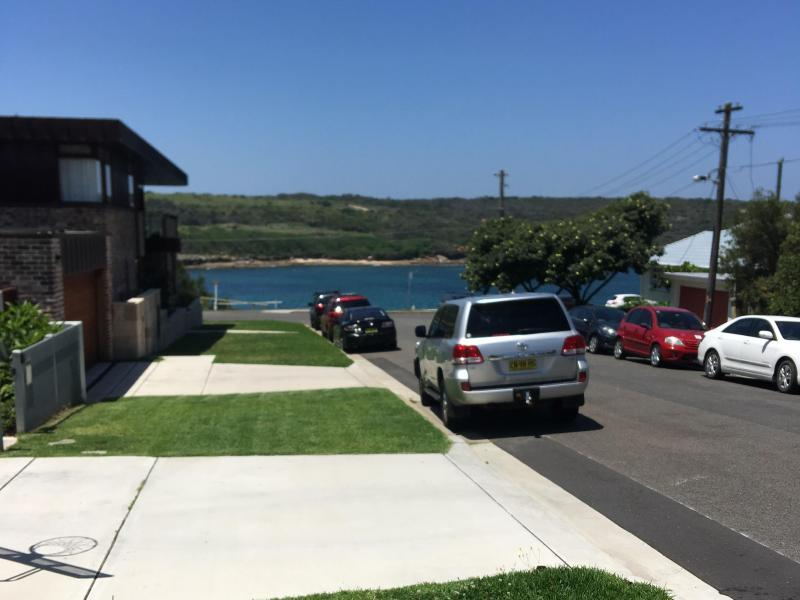 The ocean,beach,rockpool and bus stop is a few steps away in this beautiful  and safe location.