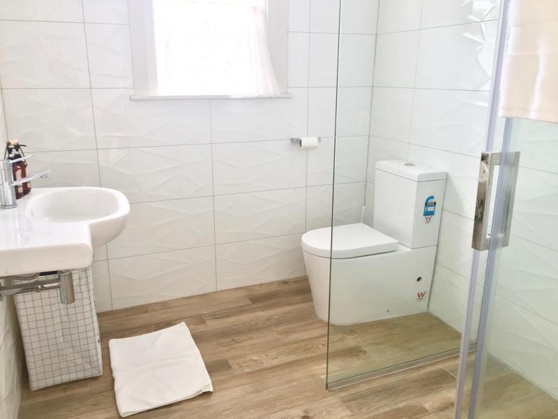 Bedroom 2: Bathroom